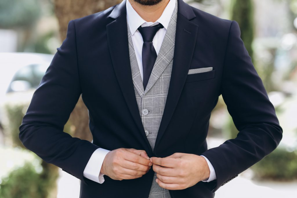חליפת חתן כחולה