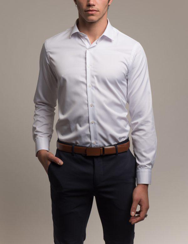 חולצה מכופתרת לבנה דוגמן