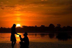 בחירת חליפה להצעת נישואין